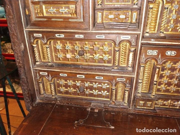 Antigüedades: EXCEPCIONAL BARGUEÑO CASTELLANO. ESTILO VARGAS. NOGAL. HERRAJES ORIGINALES. ESPAÑA. SIGLO XVII - Foto 7 - 273114633