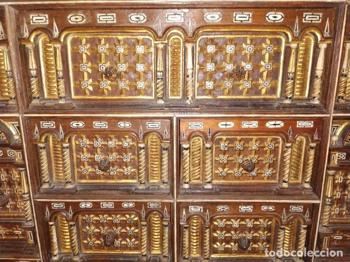 Antigüedades: EXCEPCIONAL BARGUEÑO CASTELLANO. ESTILO VARGAS. NOGAL. HERRAJES ORIGINALES. ESPAÑA. SIGLO XVII - Foto 10 - 273114633
