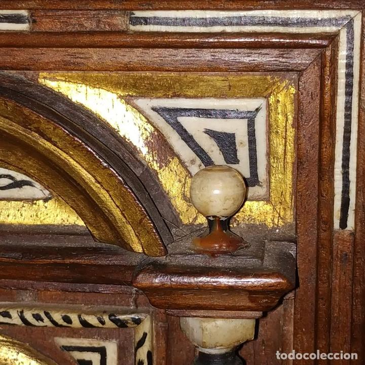 Antigüedades: EXCEPCIONAL BARGUEÑO CASTELLANO. ESTILO VARGAS. NOGAL. HERRAJES ORIGINALES. ESPAÑA. SIGLO XVII - Foto 13 - 273114633