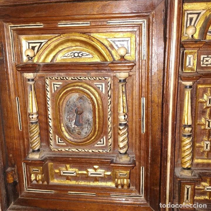 Antigüedades: EXCEPCIONAL BARGUEÑO CASTELLANO. ESTILO VARGAS. NOGAL. HERRAJES ORIGINALES. ESPAÑA. SIGLO XVII - Foto 17 - 273114633