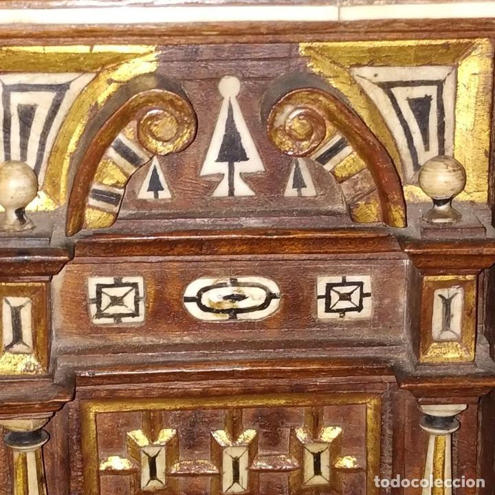 Antigüedades: EXCEPCIONAL BARGUEÑO CASTELLANO. ESTILO VARGAS. NOGAL. HERRAJES ORIGINALES. ESPAÑA. SIGLO XVII - Foto 18 - 273114633