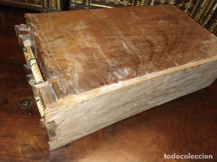 Antigüedades: EXCEPCIONAL BARGUEÑO CASTELLANO. ESTILO VARGAS. NOGAL. HERRAJES ORIGINALES. ESPAÑA. SIGLO XVII - Foto 29 - 273114633
