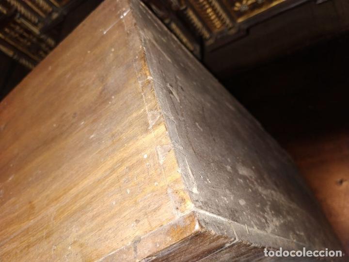 Antigüedades: EXCEPCIONAL BARGUEÑO CASTELLANO. ESTILO VARGAS. NOGAL. HERRAJES ORIGINALES. ESPAÑA. SIGLO XVII - Foto 34 - 273114633