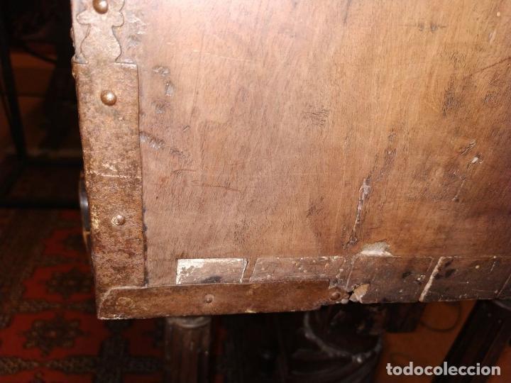 Antigüedades: EXCEPCIONAL BARGUEÑO CASTELLANO. ESTILO VARGAS. NOGAL. HERRAJES ORIGINALES. ESPAÑA. SIGLO XVII - Foto 67 - 273114633