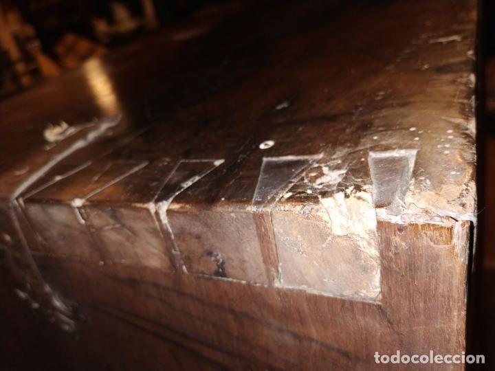 Antigüedades: EXCEPCIONAL BARGUEÑO CASTELLANO. ESTILO VARGAS. NOGAL. HERRAJES ORIGINALES. ESPAÑA. SIGLO XVII - Foto 75 - 273114633