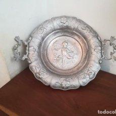 Antigüedades: CENTRO DE MESA O FRUTERO - LATÓN,BRONCE - QUERUBINES - PRINCIPIOS SXX - BARROCO - ESPAÑA. Lote 273140853