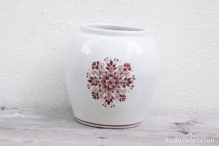 Antigüedades: Tarro de farmacia vintage de Delft, tarro de medicina Flemoxin en blanco y rosa - Foto 2 - 273145063