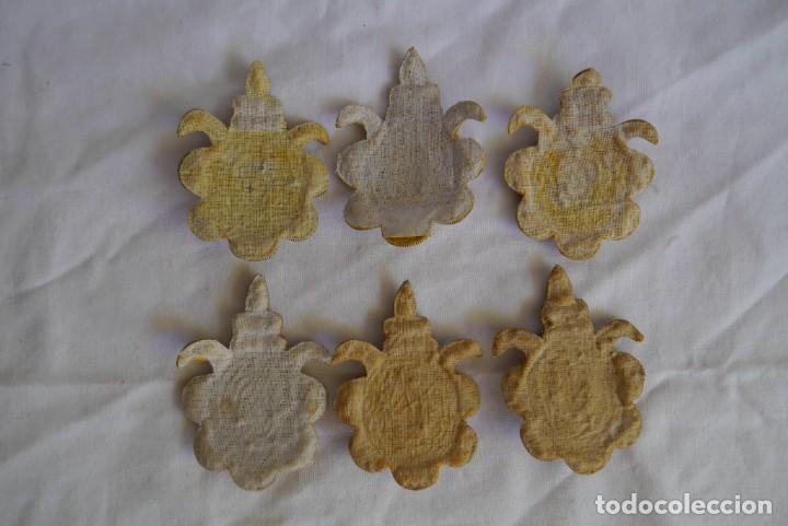 Antigüedades: 6 parches bordados con hilo dorado y vidrios o cristales negros - Foto 11 - 273305243