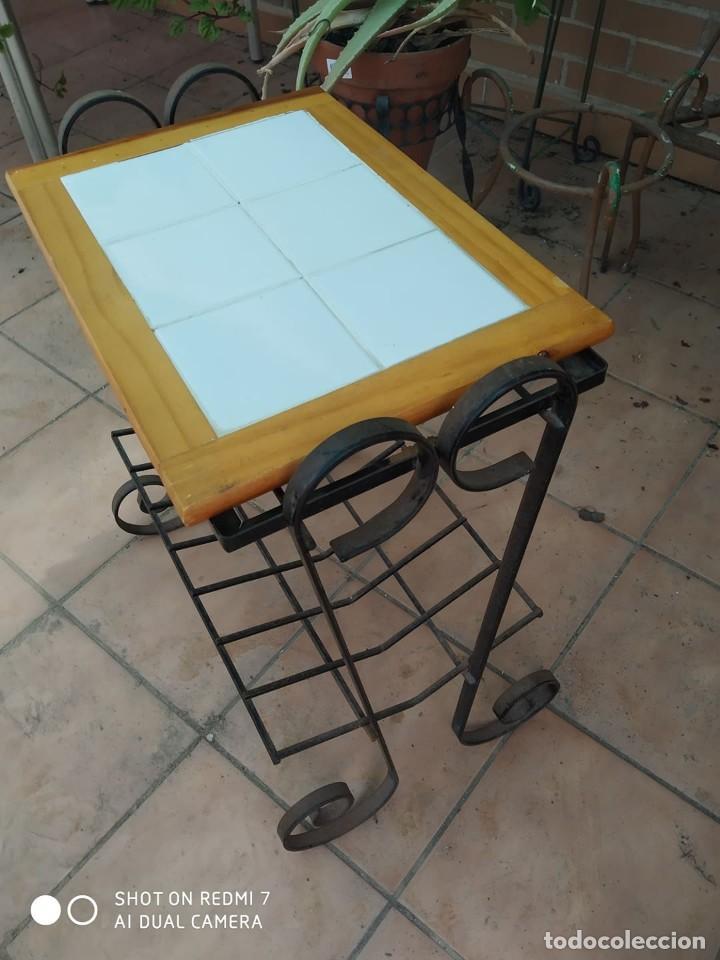 Antigüedades: clasico macetero hierro con mesa madera azulejos, terraza, jardin macetero, jardinera, mesita - Foto 2 - 273457708