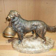 Antigüedades: ANTIGUA FIGURA DE PERRO PASTOR DE BRONCE-CON LUZ. Lote 273468268