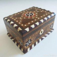 Antigüedades: CAJA ANTIGUA. TARACEA DE GRANADA. 1.ª MITAD S.XX.. Lote 273673488