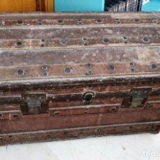 Antigüedades: ANTIGUO BAUL GRANDE DE MADERA Y HERRAJES FINALES SIGLO XIX. Lote 273964568