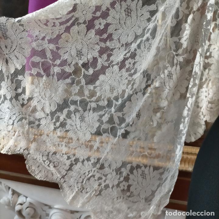 Antigüedades: 160 x 51cm antigua mantilla RECTANGULAR blonda encajes ideal virgen tocado semana santa boda - Foto 10 - 273992558