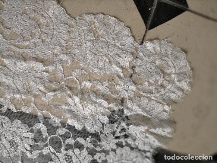Antigüedades: 160 x 51cm antigua mantilla RECTANGULAR blonda encajes ideal virgen tocado semana santa boda - Foto 28 - 273992558