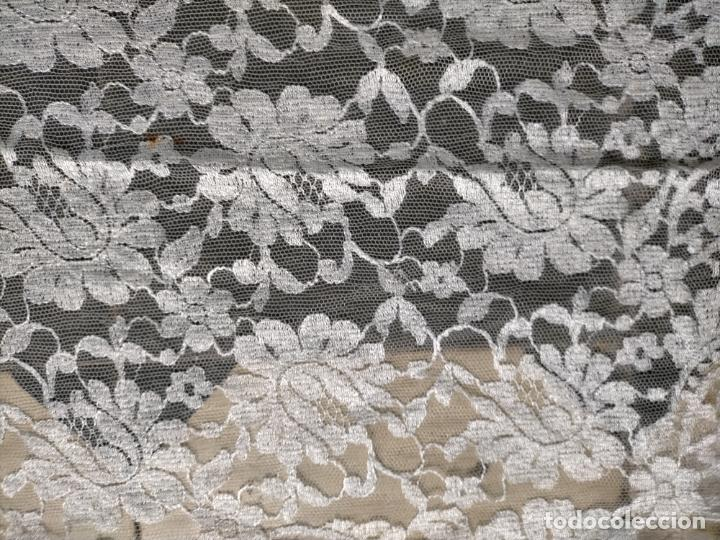 Antigüedades: 160 x 51cm antigua mantilla RECTANGULAR blonda encajes ideal virgen tocado semana santa boda - Foto 29 - 273992558