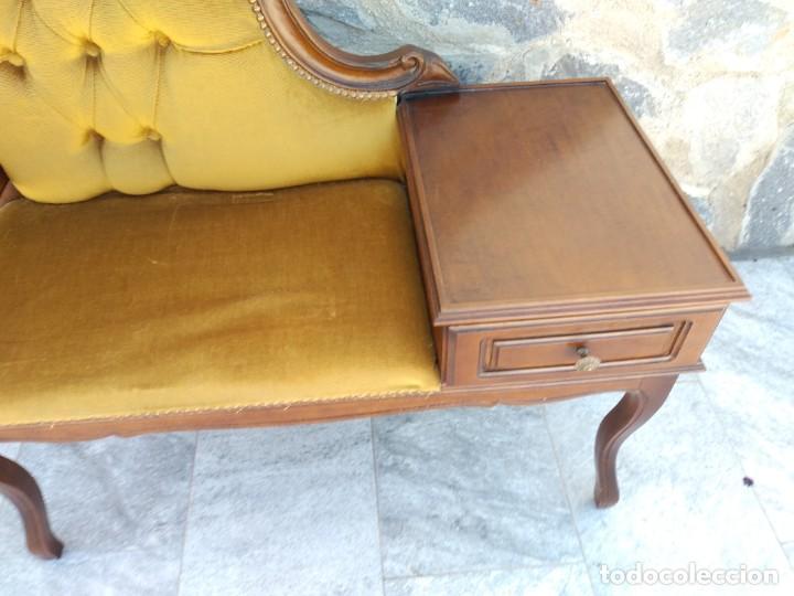 Antigüedades: Antiguo sofá con mesa para teléfono con 1 cajón, estilo isabelino ,madera noble. sirca 1930 - Foto 5 - 274182758