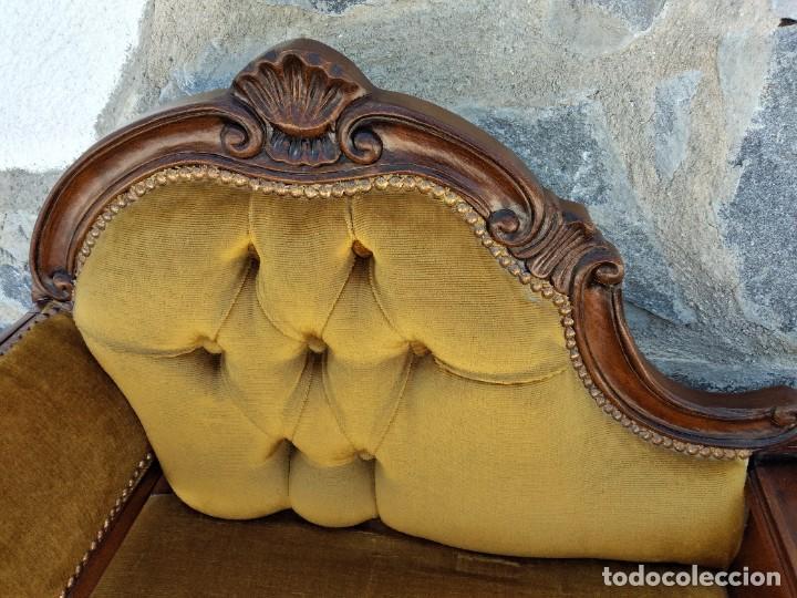 Antigüedades: Antiguo sofá con mesa para teléfono con 1 cajón, estilo isabelino ,madera noble. sirca 1930 - Foto 7 - 274182758