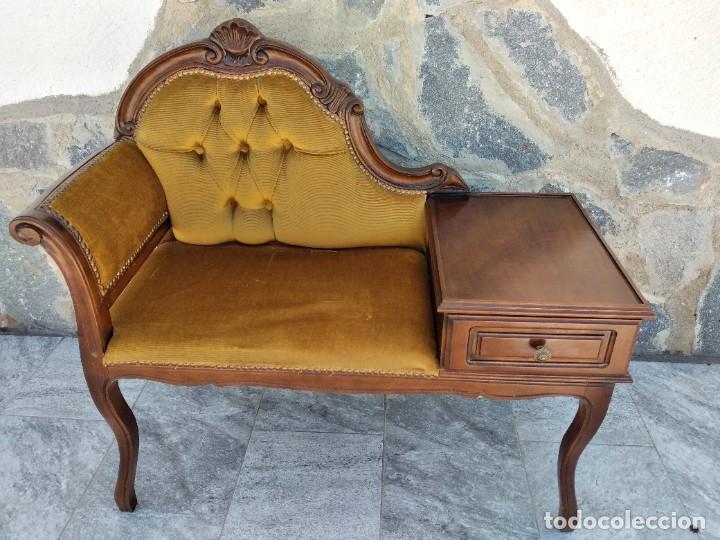 Antigüedades: Antiguo sofá con mesa para teléfono con 1 cajón, estilo isabelino ,madera noble. sirca 1930 - Foto 8 - 274182758