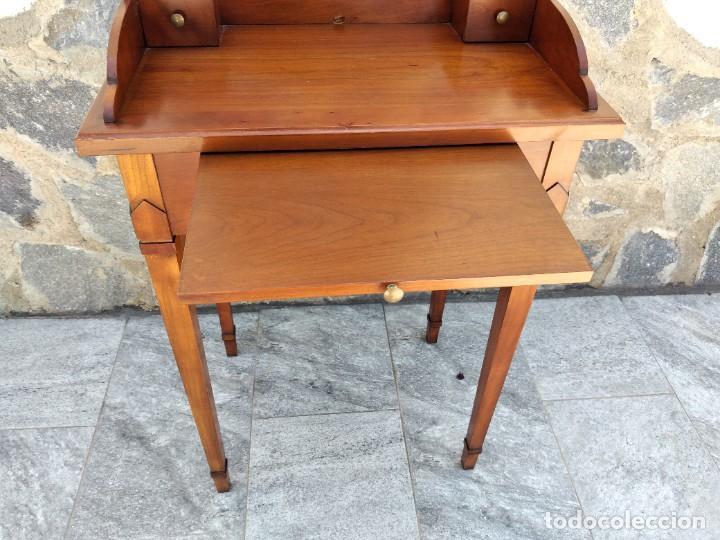 Antigüedades: Antiguo escritorio auxiliar con bandeja ,cajones y porta cartas. años 20/30 - Foto 7 - 274184613