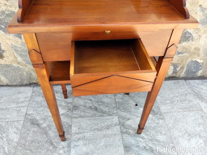 Antigüedades: Antiguo escritorio auxiliar con bandeja ,cajones y porta cartas. años 20/30 - Foto 8 - 274184613