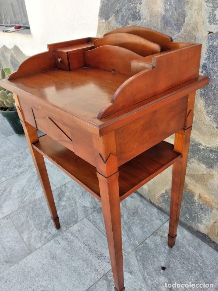 Antigüedades: Antiguo escritorio auxiliar con bandeja ,cajones y porta cartas. años 20/30 - Foto 10 - 274184613