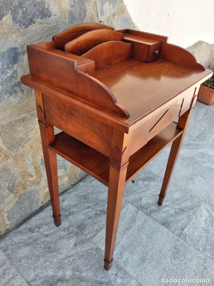Antigüedades: Antiguo escritorio auxiliar con bandeja ,cajones y porta cartas. años 20/30 - Foto 11 - 274184613