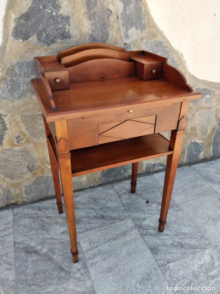 Antigüedades: Antiguo escritorio auxiliar con bandeja ,cajones y porta cartas. años 20/30 - Foto 12 - 274184613