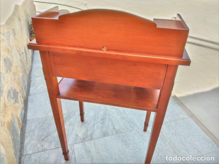 Antigüedades: Antiguo escritorio auxiliar con bandeja ,cajones y porta cartas. años 20/30 - Foto 13 - 274184613