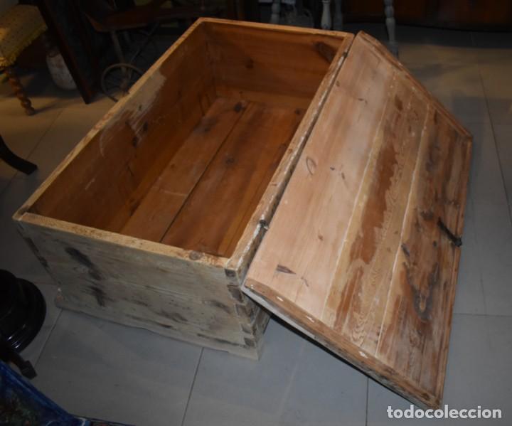 Antigüedades: ANTIGUO BAÚL EN MADERA NATURAL - Foto 11 - 274191328