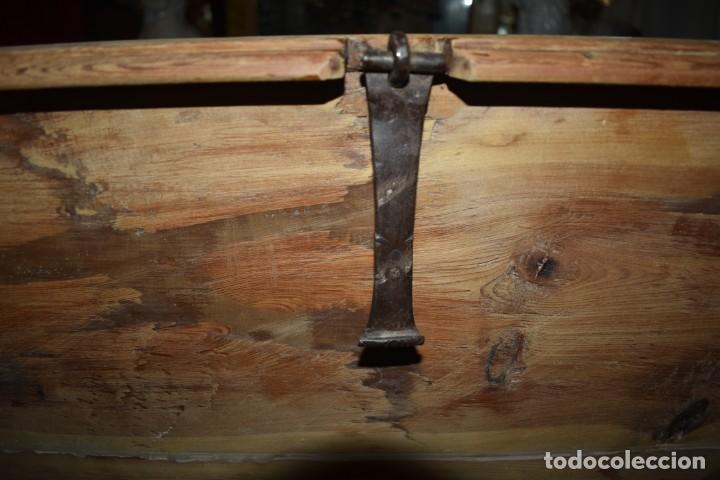 Antigüedades: ANTIGUO BAÚL EN MADERA NATURAL - Foto 17 - 274191328