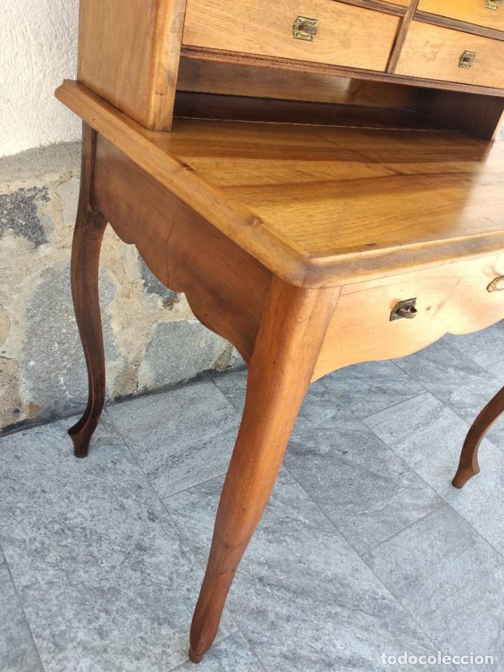 Antigüedades: Antiguo escritorio de madera noble,con 5 cajones y estante para libros.sirca 1920,con llave original - Foto 12 - 274210678