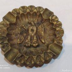 Antigüedades: BONITO CENICERO ANTIGUO DE BRONCE. Lote 274218813
