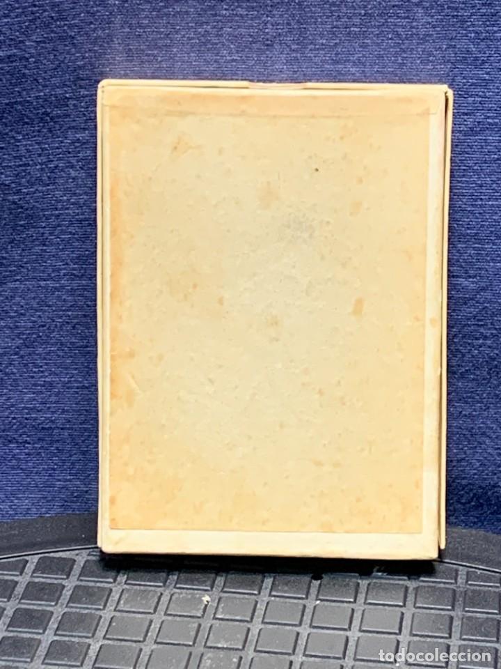 Antigüedades: EMBLEMA PEREGRINACIONES SANTIAGO DE COMPOSTELA CONCHA AUTENTICA 1954 AÑO SANTO JACOBEO 11X8CMS - Foto 4 - 274345093