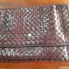 Antigüedades: PRECIOSO BOLSO DE MANO DE PIEL, BELLIDO. Lote 274555018