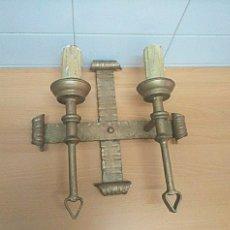 Antigüedades: APLIQUE DE PARED ELÉCTRICO CON FORMA DE VELAS. Lote 274614463