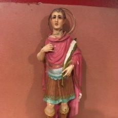 Antiguidades: FIGURA DE SAN EXPEDITO ARTES DECORATIVAS OLOT OJOS DE CRISTAL MIDE 36 CMS PARA RESTAURAR. VER FOTOS. Lote 274681528