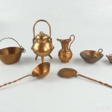 Antiquités: COLECCION DE PEQUEÑOS UTENCILIOS DE HOGAR DE COBRE SOLO PARA DECORACION. Lote 275064638