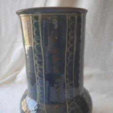 Antigüedades: JARRON DE CERÁMICA CATALANA LA BISBAL FIRMADA VILA CLARA, AÑOS 70. Lote 275187103