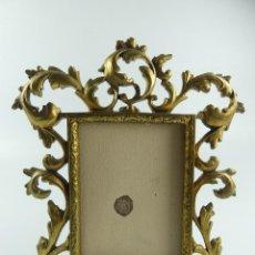 Antigüedades: ANTIGUO MARCO PORTA-FOTOS DE BRONCE SOBREMESA EXCELENTE PIEZA. Lote 275250278