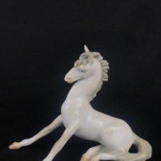Antiquités: CABALLO DE PORCELANA DE LLADRO CON MARCA INCISA LLADRO ESPAÑA. Lote 275270013