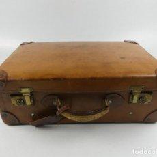 Oggetti Antichi: ANTIGUA MALETA DE VIAJE CIERRES DE METAL. Lote 275274253