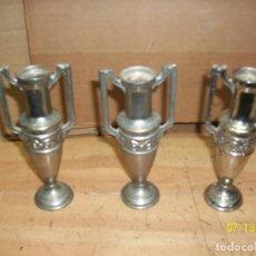 Antigüedades: LOTE DE 3 FLOREROS DE PLOMO. Lote 275327878