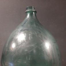 Antiquités: GRAN DAMAJUANA DE CRISTAL SOPLADO. Lote 275453643