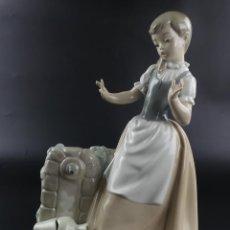 Antiquités: FIGURA DE PORCELANA DE CALIDAD NAO LLADRO NIÑA EXCELENTE PIEZA DE COLECCIÓN. Lote 275469993