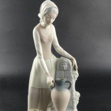Antiquités: FIGURA DE PORCELANA DE CALIDAD NAO LLADRO NIÑA EXCELENTE PIEZA DE COLECCIÓN. Lote 275470228