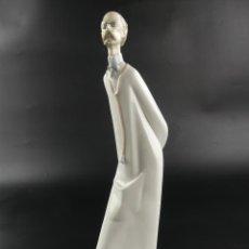 Antiquités: EXCELENTE FIGURA DE PORCELANA LLADRO MEDICO DOCTOR OBJETO DE COLECCIÓN. Lote 275475333