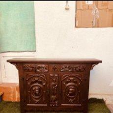 Antigüedades: ANTIGUO MUEBLE MADERA RECIBIDOR TALLADO (120X77X30 CM) . VER FOTOS. Lote 275477108