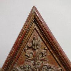 Antigüedades: COPETE NEOGOTICO POLICROMADO S. XVIII PRINC. DEL XIX. Lote 275524278