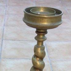 Antigüedades: CANDELABRO DE IGLESIA ANTIGUO. Lote 275525013