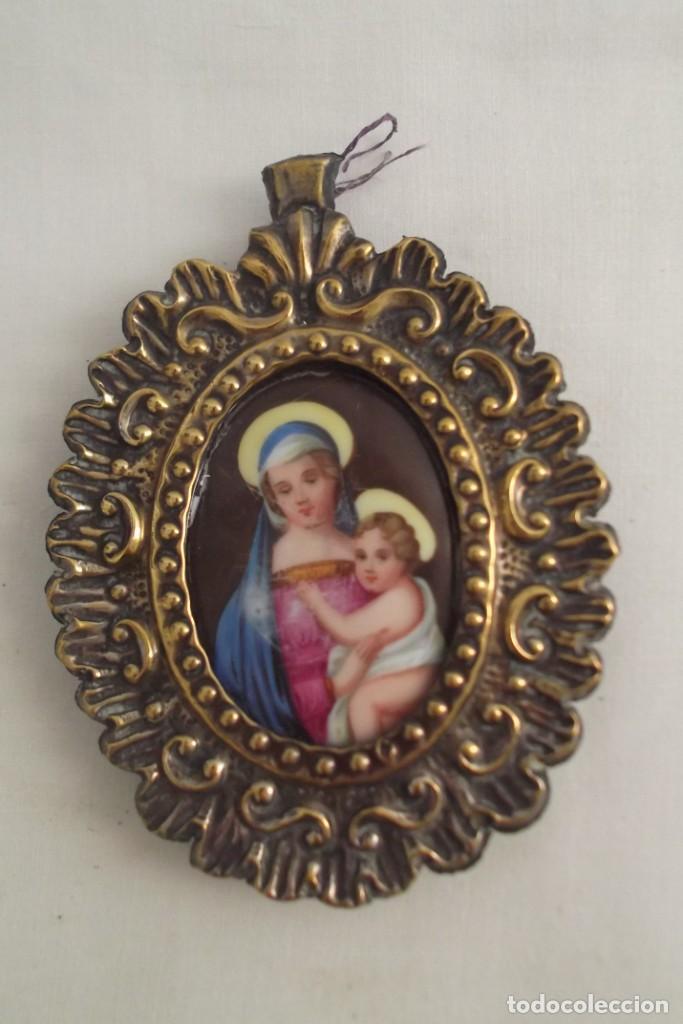 ESMALTE ENMARCADO PINTADO A MANO SIGLO XIX (Antigüedades - Religiosas - Medallas Antiguas)